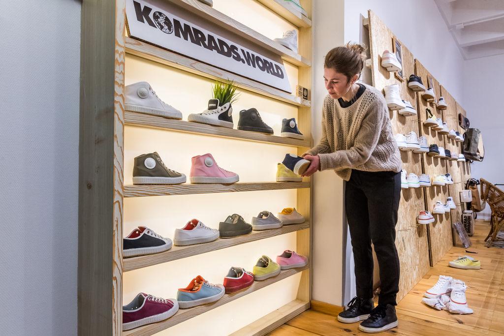 Komrads sneakers